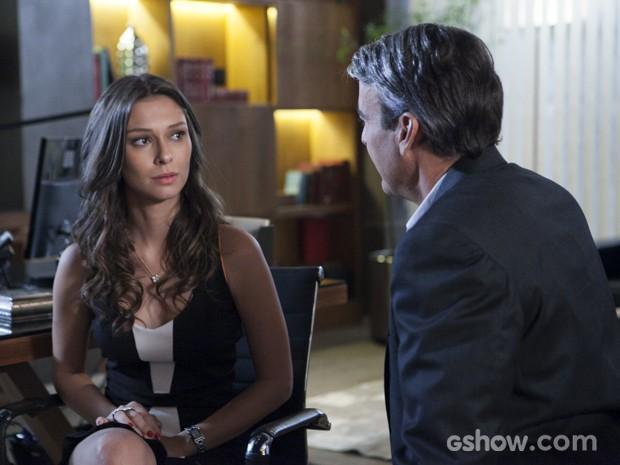 Fernanda confessa que é apaixonada por um homem mais velho (Foto: Inácio Moraes/TV Globo)