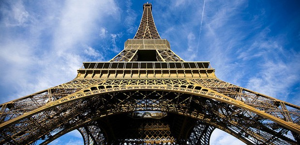 Atentados fecham Eurodisney, Torre Eiffel e Museu do Louvre