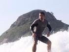 Leandro Hassum pratica surfe e mostra foto nas redes sociais
