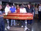 Corpo de jornalista assassinado em Palmas é levado para Paraíba