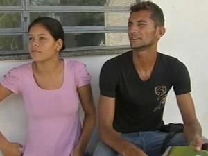 Casal espera por procedimento há quatro dias (Foto: TV Verdes Mares/Reprodução)