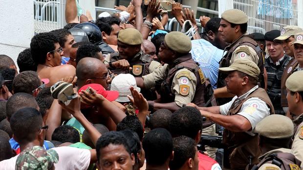 confusão ingressos bahia fonte nova (Foto: Margarida Neide / Futura Press)