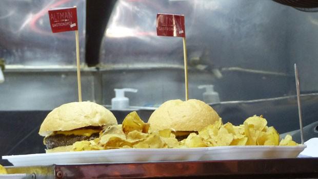 A galera também aproveitou as comidas saborosas do foods trucks (Foto: Divulgação/RPC)