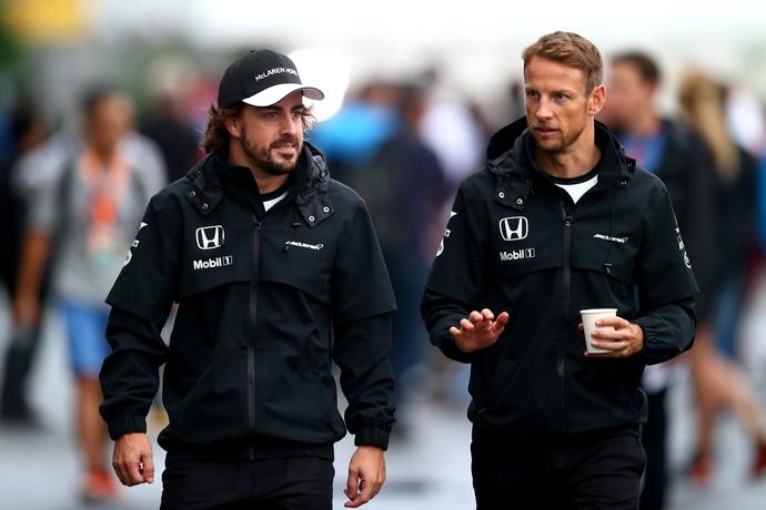 Fernando Alonso e Jenson Button devem continuar enfrentando muitos desafios em 2016 (Foto: Getty Images)
