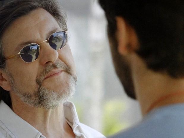 LC quer saber o que Marlon queria conversar com ele (Foto: Além do Horizonte/TV Globo)