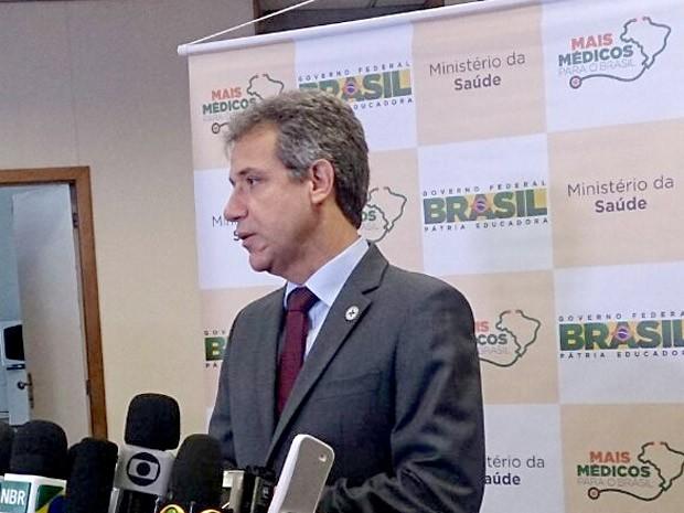 """O ministro da Saúde, Arthur Chioro, durante entrevista sobre o programa """"Mais Médicos"""", no Ministério da Saúde (Foto: Mateus Rodrigues/G1)"""