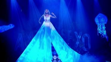 Fernanda Lima abre o 'Amor & Sexo' cantando 'Lucy in the Sky with Diamonds', dos Beatles
