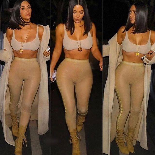 Kim Kardashian surgiu tão magra, que até sua irmça, Khloé, postou fotos de seu look no Instagram (Foto: Reprodução)