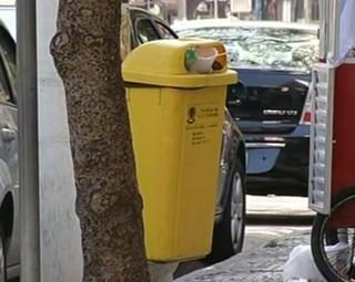 Lei prevê multa para quem jogar lixo no chão em Volta Redonda (Foto: Reprodução RJTV 2ª Edição)