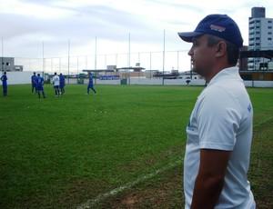 Alexandre Grasseli no treino do Nacional-MG Jr (3) (Foto: Cleber Corrêa/GLOBOESPORTE.COM)