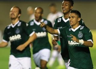Erik comemora gol do Goiás na vitória sobre o Vasco (Foto: Wildes Barbosa/O Popular)