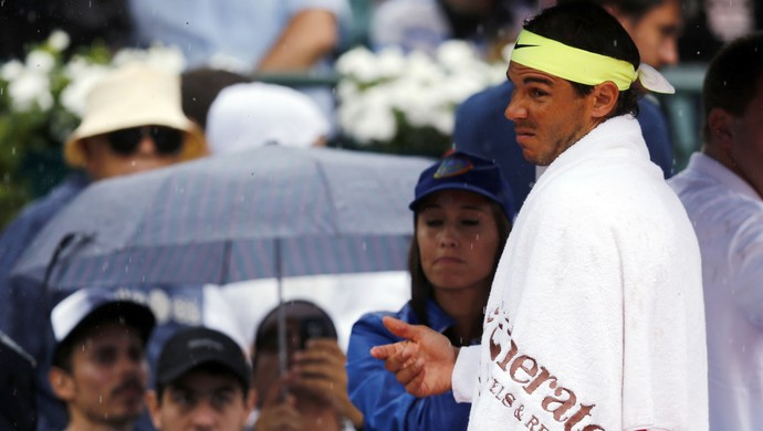 Rafael Nadal final do ATP da Argentina de tênis - chuva (Foto: Reuters)