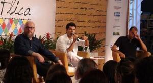 Joca Terron e Tom Correia debatem a complexidade da literatura (Danutta Rodrigues/G1 BA)