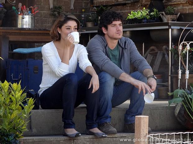 Com detalhes em brilho, as sapatilhas de Amora são um charme (Foto: Sangue Bom/TV Globo)