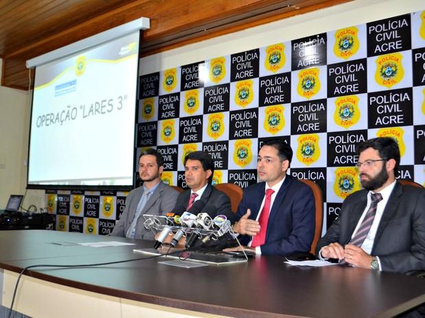 Segurança Pública e Ministério Público concederam entrevista coletiva nesta quinta-feira (12) (Foto: Caio Fulgêncio/G1)