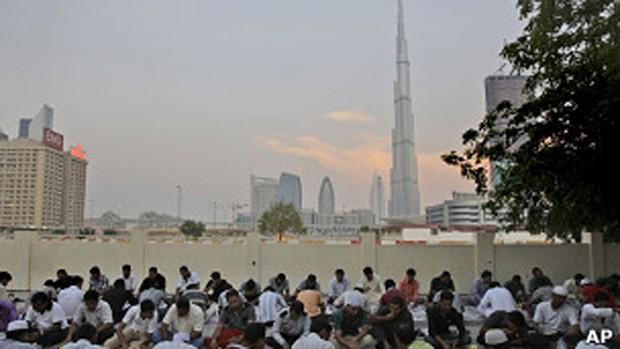 Vista do Burj Khalifa, considerado prédio mais alto do mundo, em Dubai  (Foto: AP)