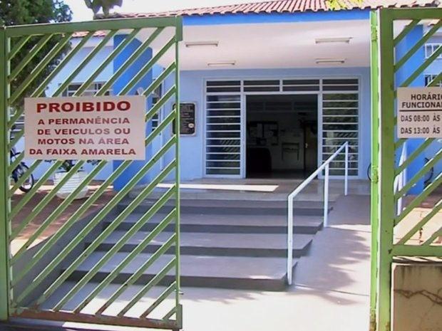Escola onde as crianças passaram mal (Foto: Reprodução/TV TEM)