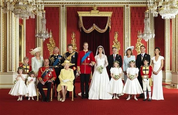 Retrato oficial da família real (Foto: Reprodução)