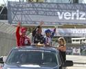 Após liderar, Helio Castroneves fica em 3º em prova vencida por Pagenaud