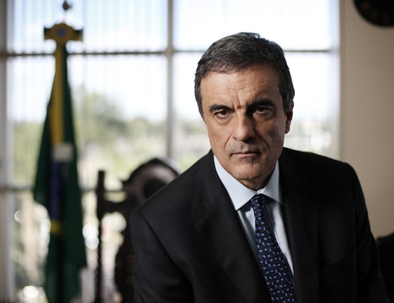 José Eduardo Cardozo, ministro da Justiça. São Paulo (cid.) - Brasil. 01/07/2015 (Foto: Adriano Machado/ Epoca)
