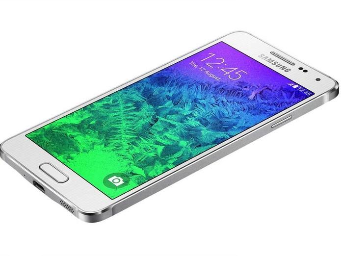 Galaxy Alpha tem corpo com laterais metálicas e botões na parte frontal (Frontal: Divulgação/Samsung)