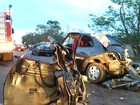 Seis pessoas morrem em acidente entre cinco carros na rodovia PR-486