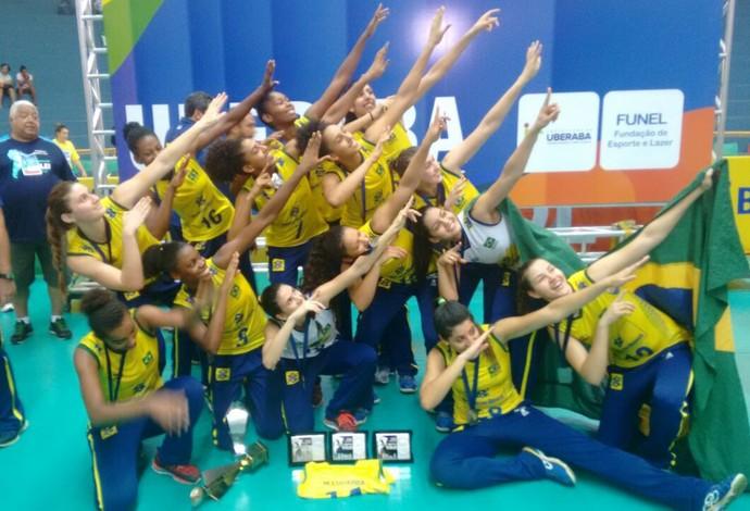 Brasil Peru sul-americano feminino sub-20 vôlei Uberaba (Foto: André Montandon/Zebunarede)