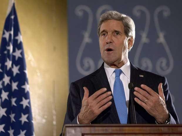 John Kerry durante visita a Cairo neste domingo (Foto: Jason Reed-Pool/AFP)