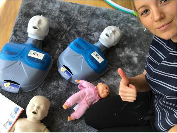 A atriz Blake Lively durante seu curso de primeiros socorros (Foto: Instagram)