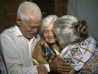 Irmãos se encontram após 60 anos (Reprodução/ TV Gazeta)