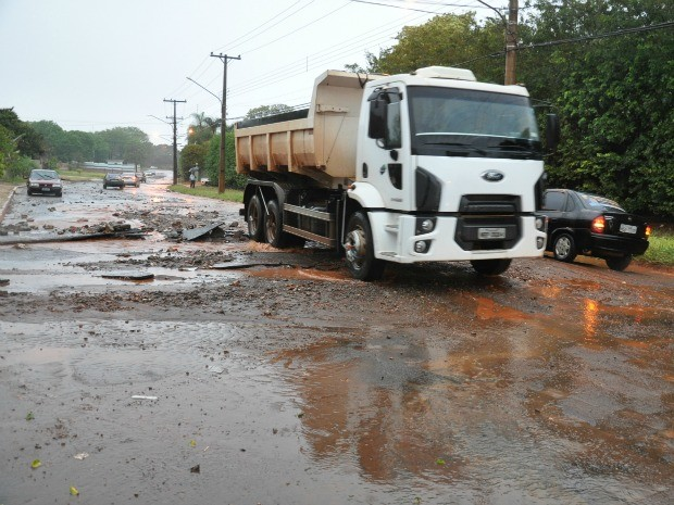 Chuva em Campo Grande (Foto: Tatiane Queiroz/G1 MS)