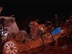 Acidente entre carro e ônibus de trabalhadores rurais deixa mortos