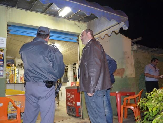 Cliente de bar é assassinado com tiro no peito na zona rural de Piracicaba (Foto: Fernanda Zanetti/G1)