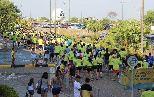 Prova teve largada e chegada do Studio 5, em Manaus (Foto: Matheus Castro/ Globoesporte.com)