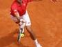 Djokovic controla ritmo e despacha veterano francês na estreia em Roma