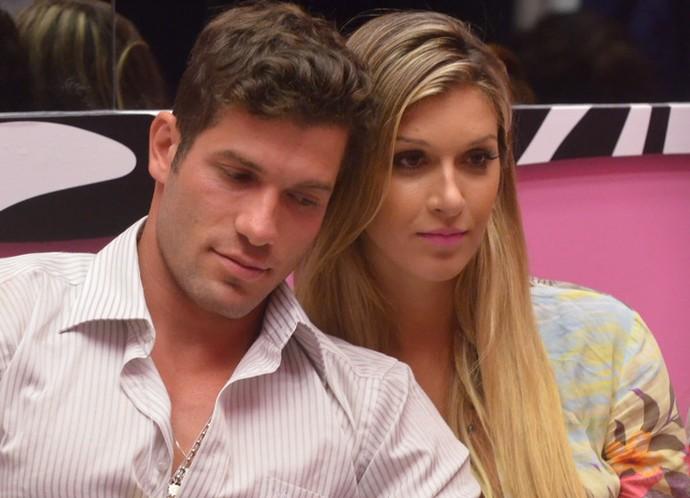 Roni e Tatiele ficaram noivos fora do BBB14 (Foto: Frederico Rozario/TV Globo)