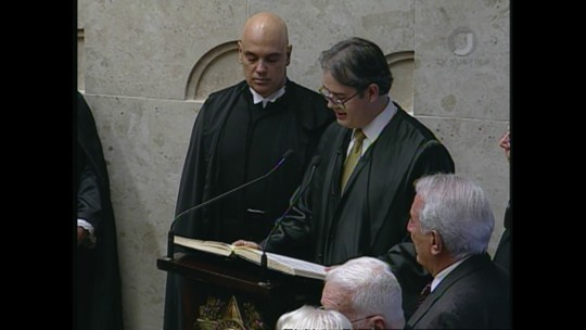 Substituto de Teori no STF, Moraes fez carreira no MP e foi ministro da Justiça
