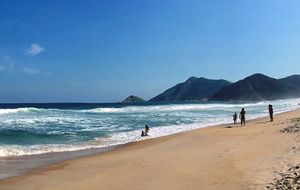 Sete destinos para visitar com água cristalina no Brasil