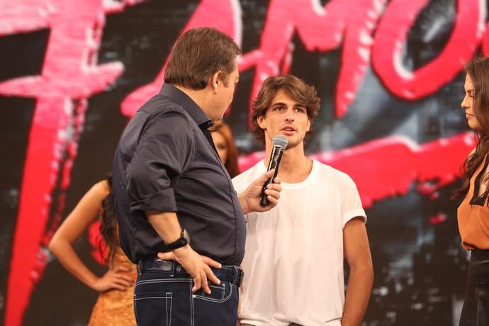 Brenno Leone fala de sua experiência no 'Dança' (Foto: Carol Caminha/Gshow)