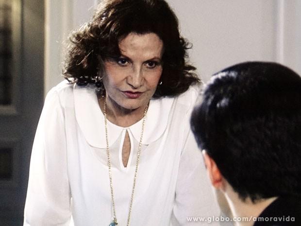Tamara se mostra muito mais esperta que a filha (Foto: Amor à Vida/ TV Globo)