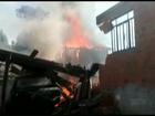 Incêndio destrói duas casas em bairro de São João do Triunfo, no Paraná