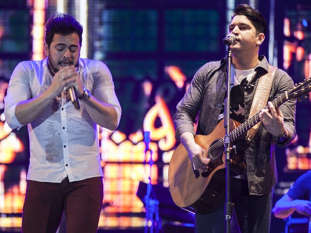 Henrique & Diego embalaram público durante abertura da festa, em Jaguariúna, SP (Foto: Felipe Albertoni)