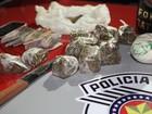 Homem foge ao ver viatura e é preso por tráfico de drogas em São Carlos