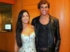 Aline Riscado usa make básico para ir ao teatro com Felipe Roque