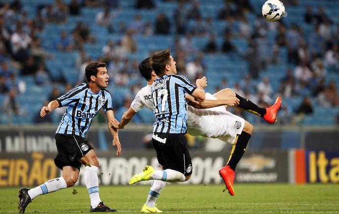 Ramiro, Riveros, Grêmio x Santos Arena (Foto: Marcos Ribolli/GloboEsporte.com)
