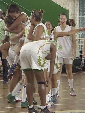 basquete santos feminino (Foto: Reprodução / TV Tribuna)
