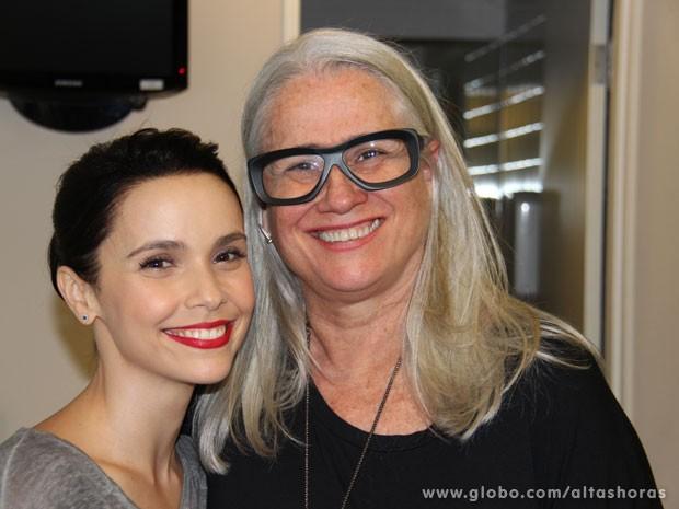 Débora Falabella e Vera Holtz se reencontram nos bastidores do Altas Horas (Foto: TV Globo/Altas Horas)