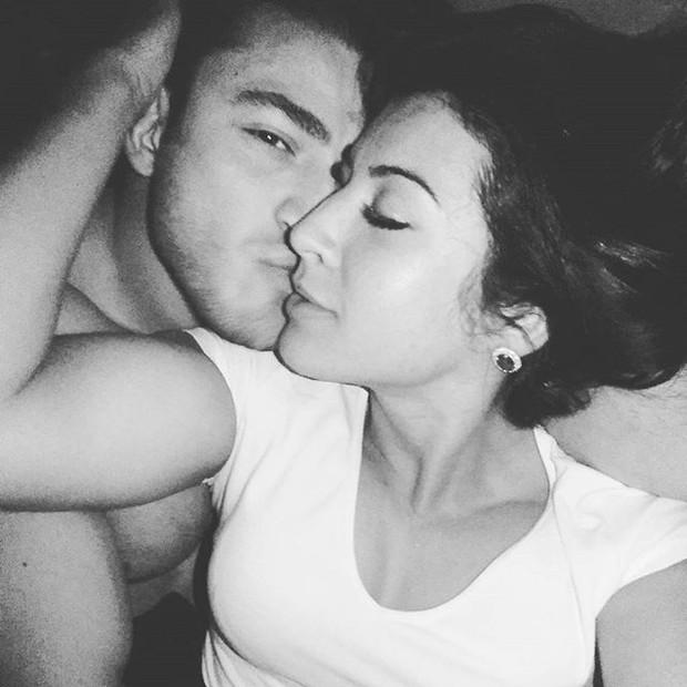 Priscila Pires posa com affair (Foto: Reprodução/Instagram)