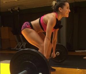 Deborah está equilibrando alimentação e treino (Foto: Arquivo Pessoal)