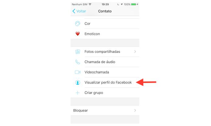 Seguindo para a página do Facebook de um contato do Facebook Messenger pelo iPhone (Foto: Reprodução/Marvin Costa)